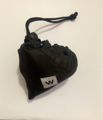closed, heart-shaped Woolworths re-usable black shopping bag